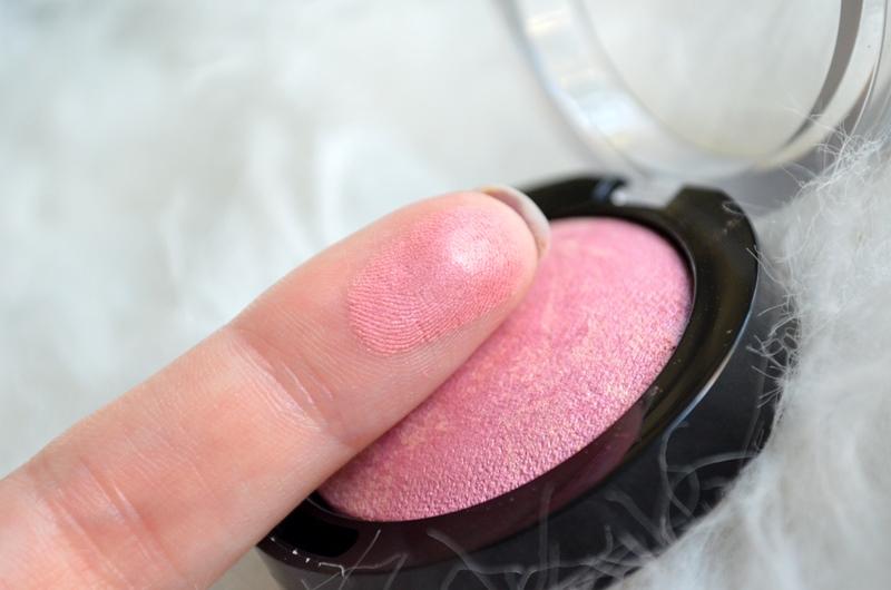 DSC 0648 - Max Factor Crème Puff Blush - Seductive Pink