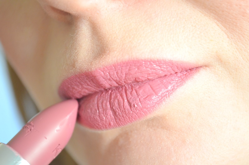 DSC 0759 - New in! Kiko Velvet Mat Lipstick #613 Review