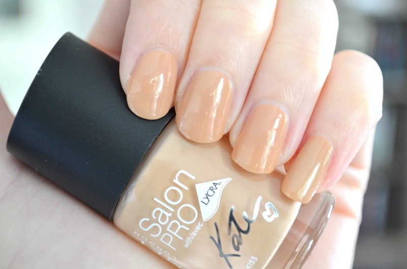DSC 9836 - Rimmel Dare to go Bare! by Kate Moss Review