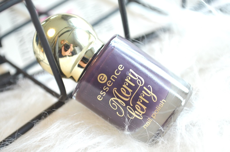 DSC 5074 - Essence 'Merry Berry' Holiday Collection Nail Polish Review