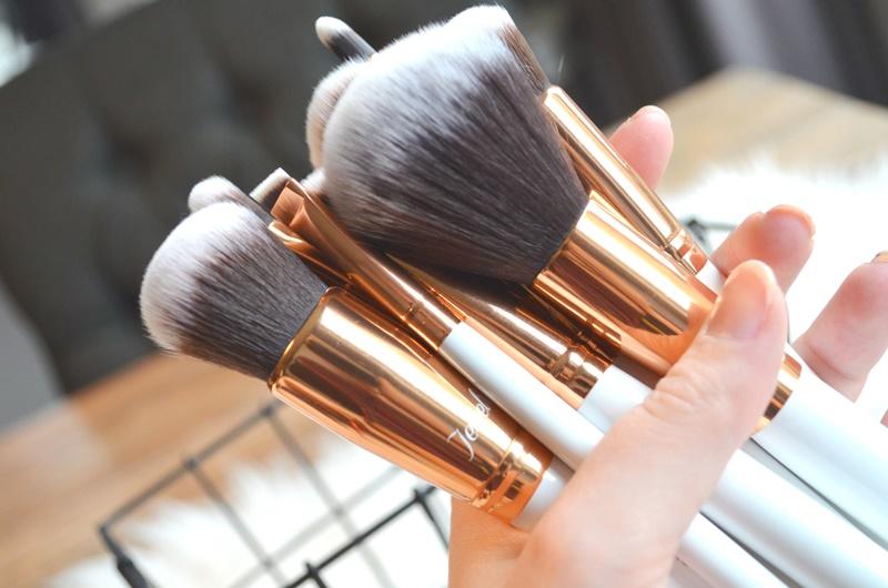 DSC 53461 - Boozy Cosmetics Rosé Golden Jewelry 10 Pcs Set Review