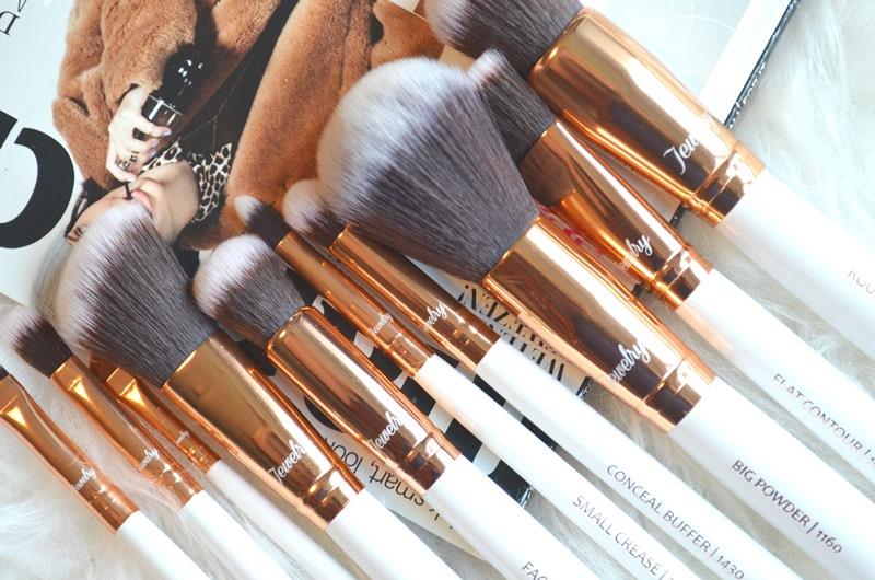 DSC 53601 - Boozy Cosmetics Rosé Golden Jewelry 10 Pcs Set Review