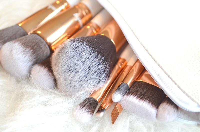 DSC 5418 - Boozy Cosmetics Rosé Golden Jewelry 10 Pcs Set Review