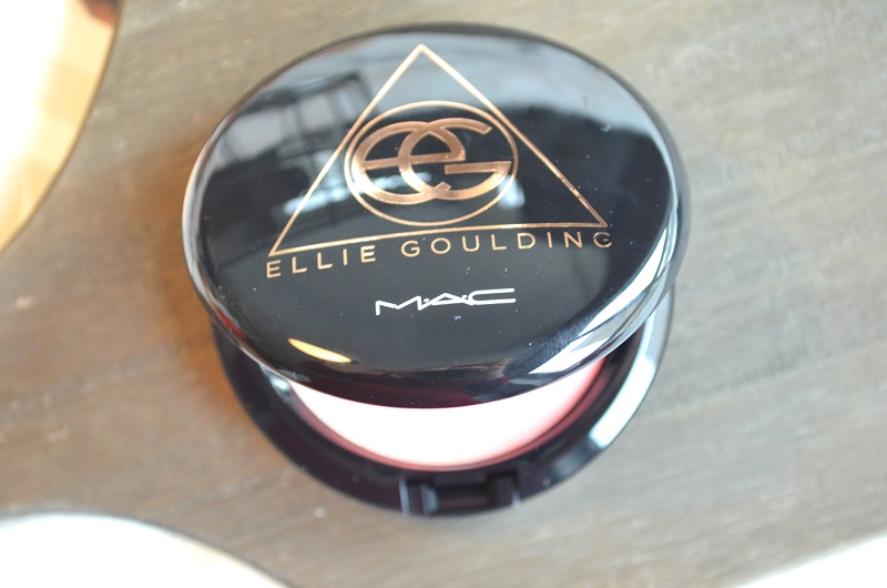 DSC 7676 - M.A.C Ellie Goulding Blush/Bronzer - I'll Hold my Breath