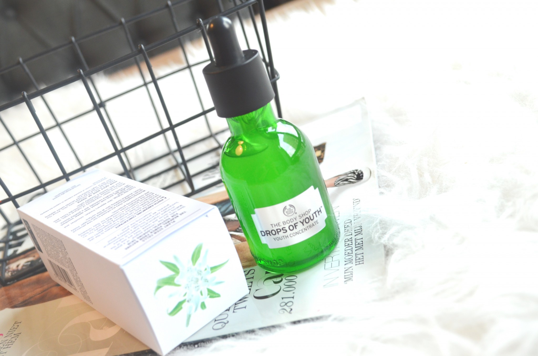 DSC 7411 - The Body Shop Drops of Youth Review