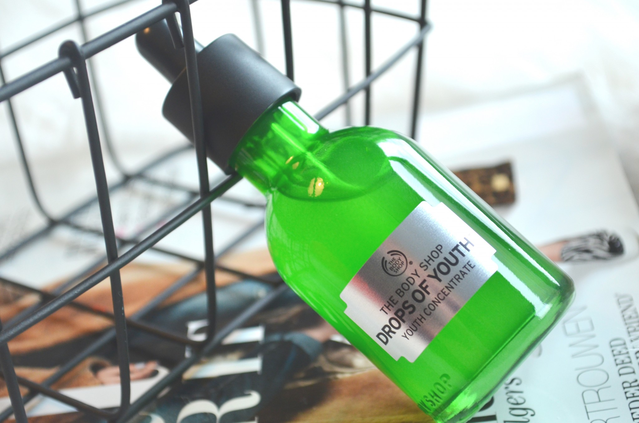 DSC 7425 - The Body Shop Drops of Youth Review