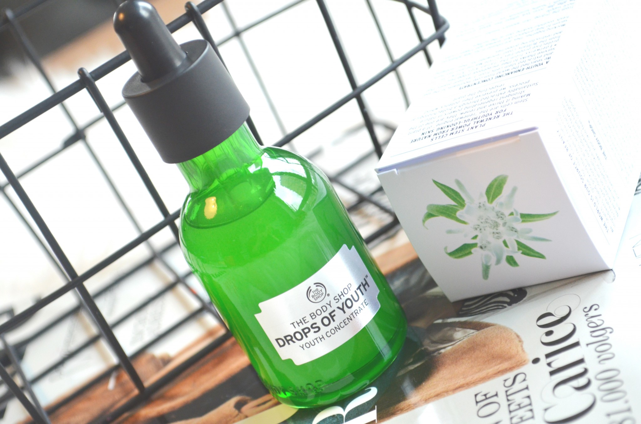 DSC 7431 - The Body Shop Drops of Youth Review