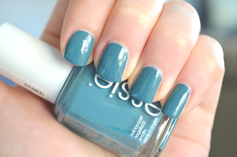 DSC 1790 - Essie Spring Collection 2016 - Lounge Lover Review