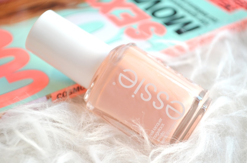 DSC 2019 - Essie Spring Collection 2016 - Lounge Lover Review