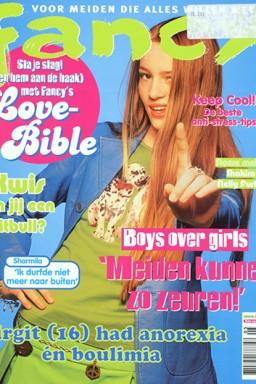 Fancy Elisejoanne.nl  - Dingen uit mijn jeugd! Britney Spears, Furby en Typex-Nagels