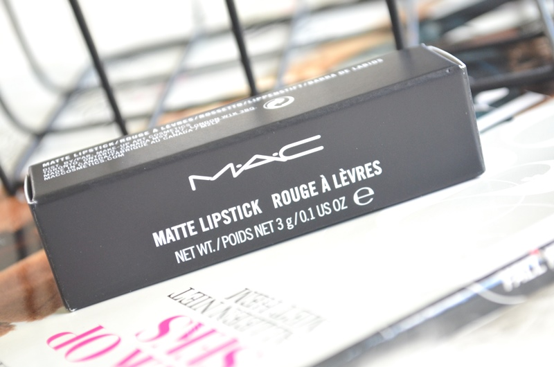 DSC 4508 - New in! M.A.C Fashion Flock Lipstick Review