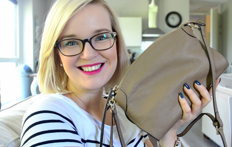 Smaak Amsterdam Whats in my Purse - Elisejoanne.nl Vera in Taupe (800x505)