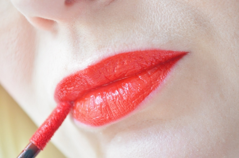 ♥Maybelline Vivid Matte Liquid Rebel Red #35