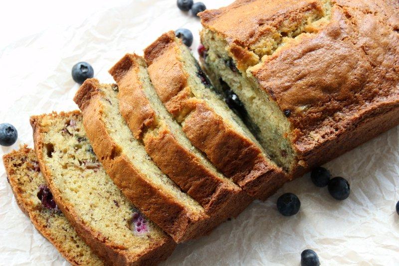 Sanne's Baksels - Blauwe Bessen Bananenbrood