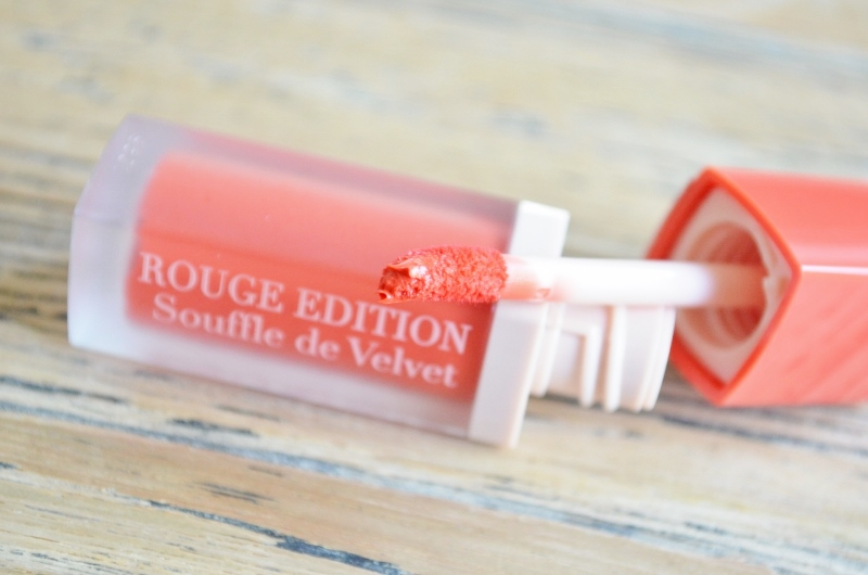 DSC 0605 800x530 - Bourjois Rouge Edition Sheer Mattes Lip Lacquers Review