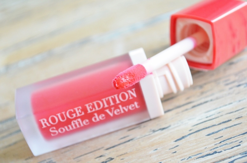 DSC 0606 800x530 - Bourjois Rouge Edition Sheer Mattes Lip Lacquers Review