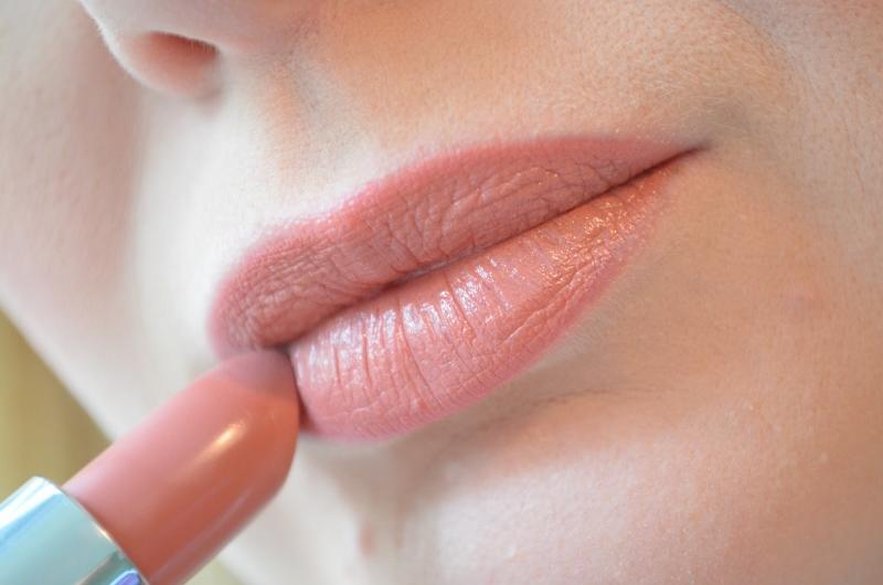 DSC 0777 800x530 - Rimmel vs. Kate Moss Anniversary Lipsticks 2016