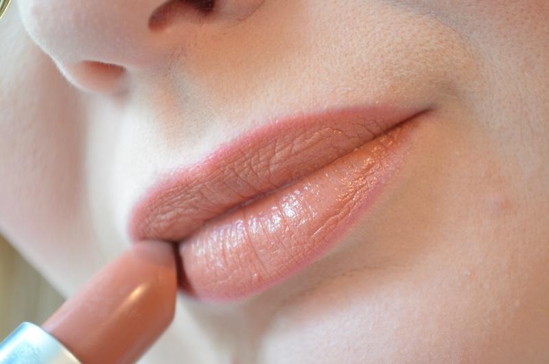 DSC 0787 800x530 - Rimmel vs. Kate Moss Anniversary Lipsticks 2016