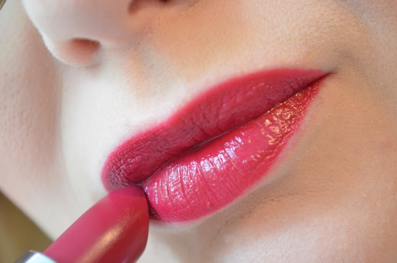 ♥Rimmel vs. Kate Moss Anniversary Retro Red #53