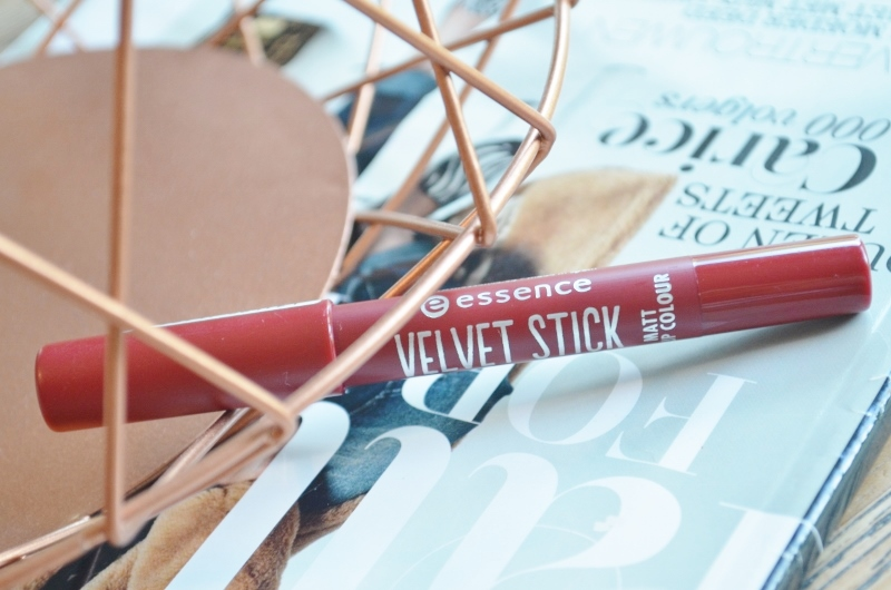 Essence Velvet Stick Plum Perfect
