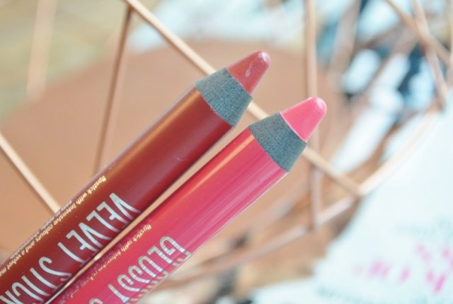 Nieuwe Essence Glossy & Velvet Stick Lip Colour Review