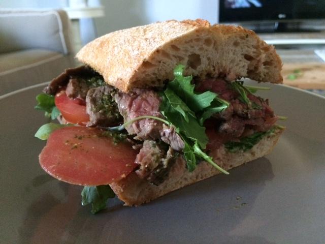 Steak Sandwich - Chimichurri - Kruidensalsa Recept