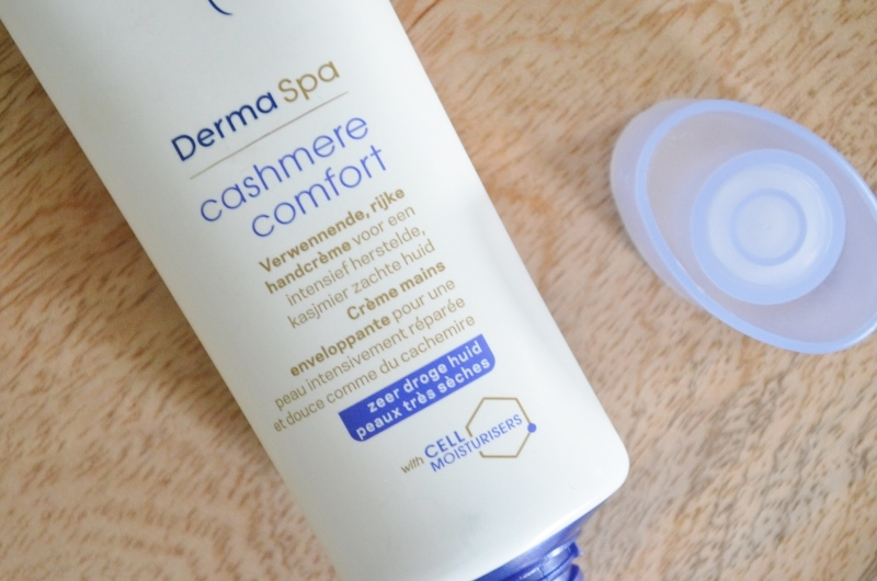 DSC 0793 800x530 - Dove Derma Spa Cashmere Comfort Review