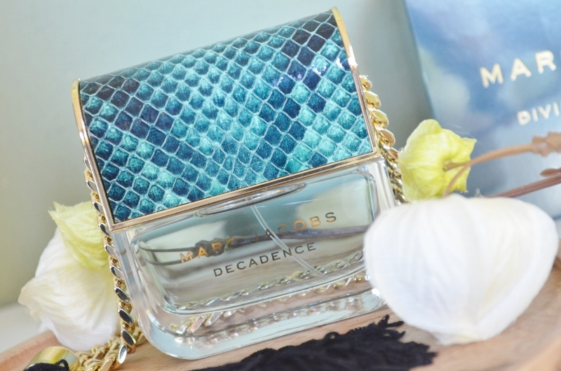 DSC 1076 800x530 - Nieuw! Marc Jacobs Divine Decadence Review