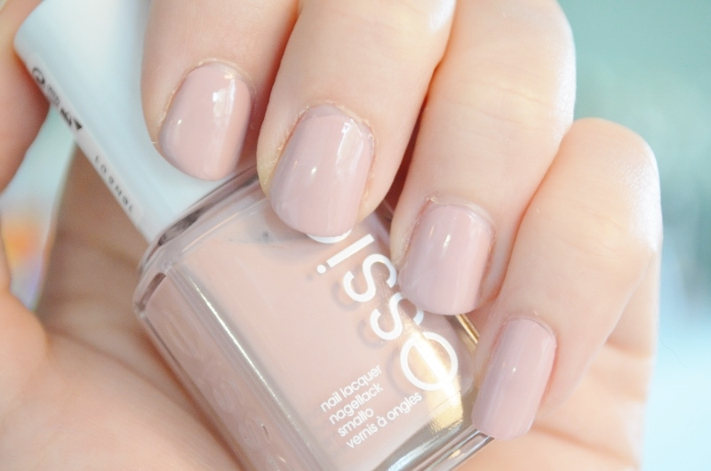 DSC 1122 800x530 2 - Essie Fall Collection 2016 Review