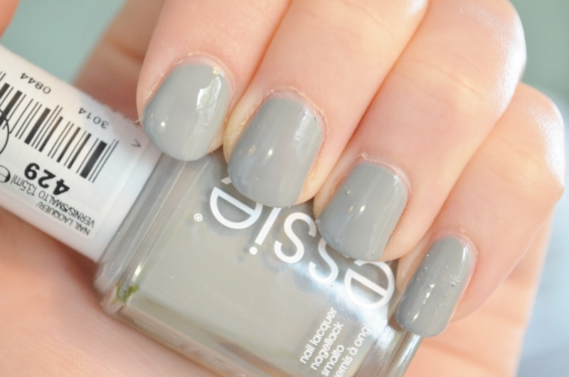 DSC 1151 800x530 - Essie Fall Collection 2016 Review