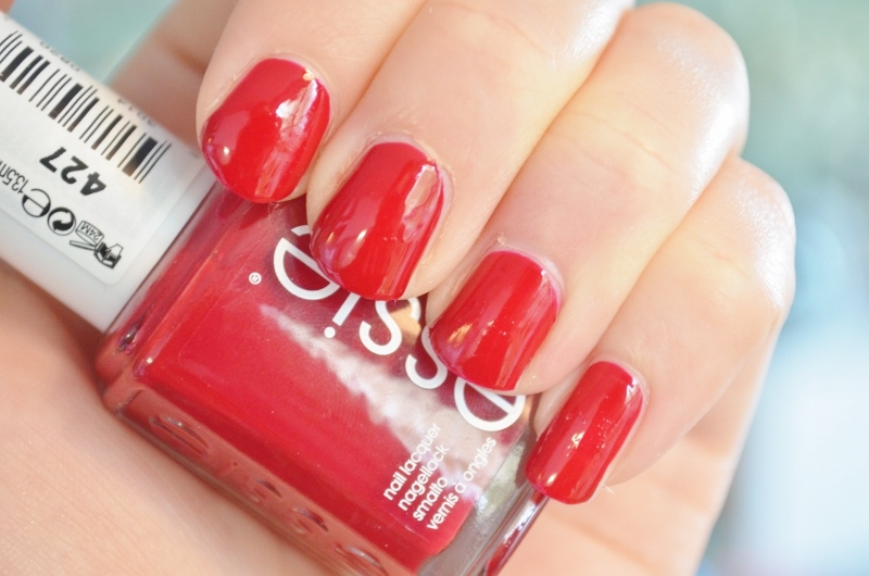 DSC 1205 800x530 - Essie Fall Collection 2016 Review