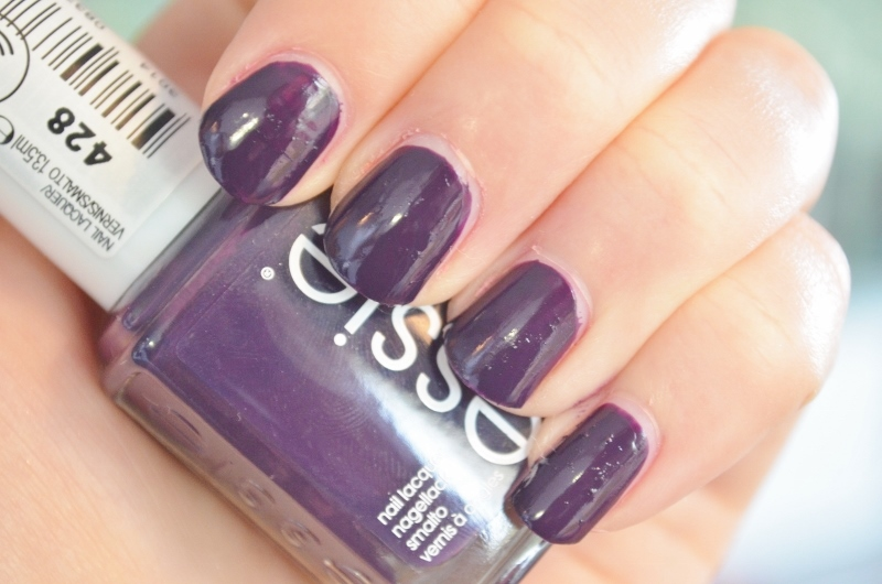 DSC 1232 800x530 - Essie Fall Collection 2016 Review