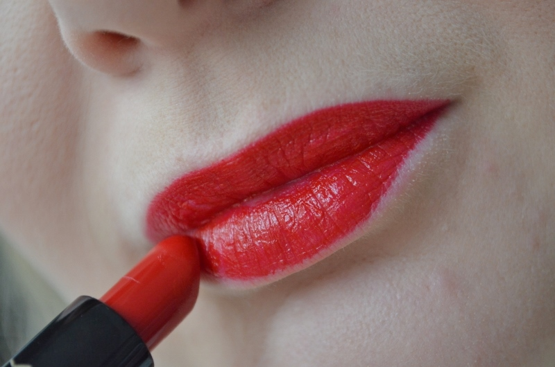 MAC Red Lipstick - SATIN