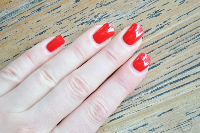 ♥Rhapsody Red #680 - Klassiek rood