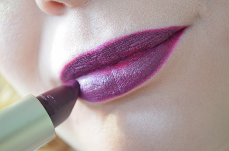 Colour Lip Kit in #04 Provocative Burgundy