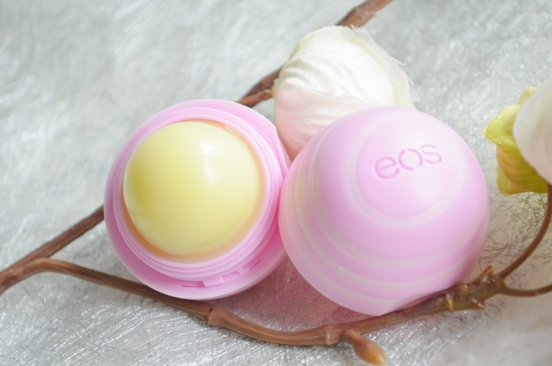 DSC 1611 800x530 - EOS Holiday Lip Trio Review