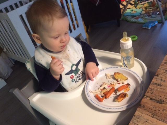 IMG 2630 640x480 - Baby's Ritme - Eten, Drinken & Slapen (9 tot 12 maanden)
