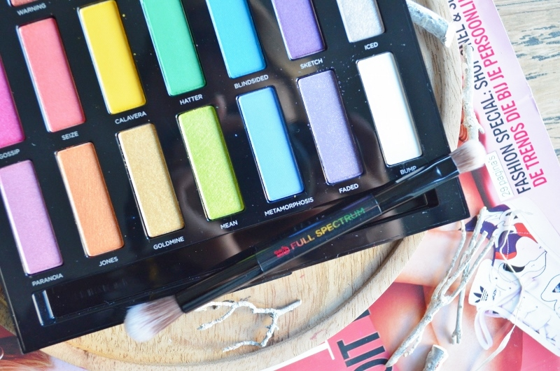 DSC 0074 800x530 - Urban Decay Full Spectrum Palette Review
