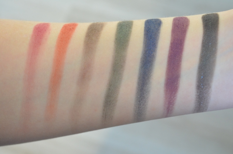 DSC 0115 800x530 - Urban Decay Full Spectrum Palette Review
