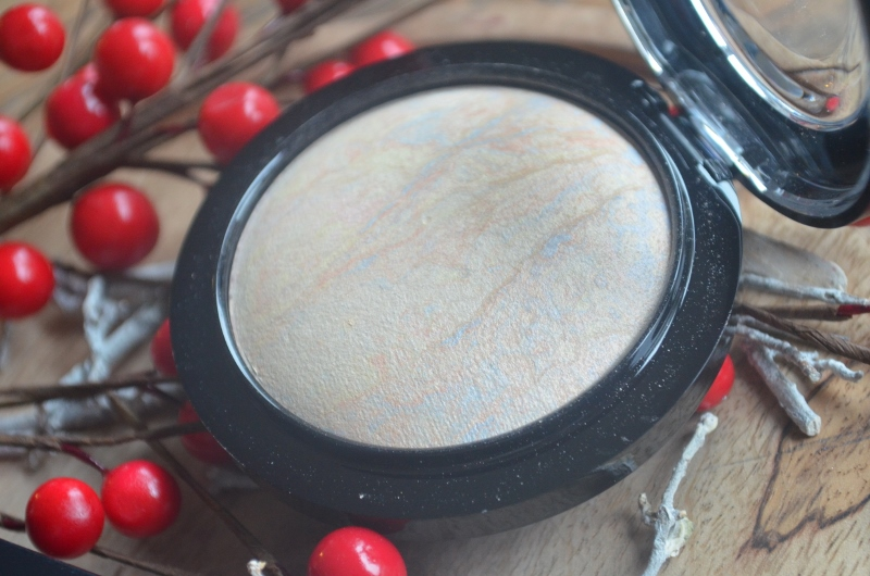 M.A.C Lightscapade Mineralize Skinfinish