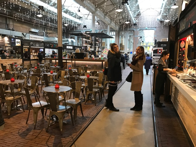 IMG 0310 640x480 - Elise's Weekly Pictorama Februari 2017 #3 - Foodhallen, Ici Paris & Valentijn