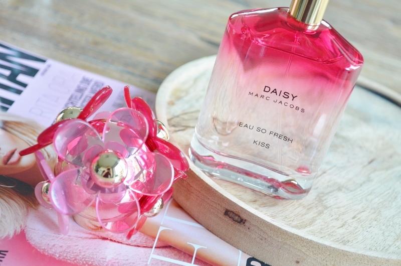 DSC 1005 800x530 - Marc Jacobs Daisy Eau so Fresh Kiss