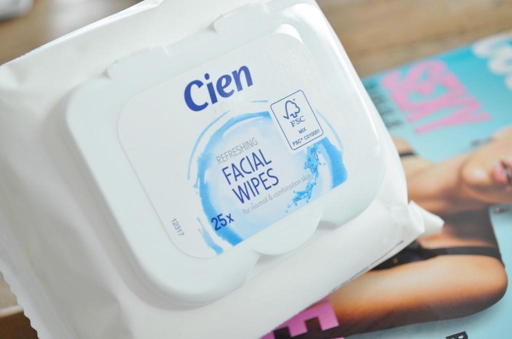 Cien Refreshing Facial Wipes 25 stuks - €0,80