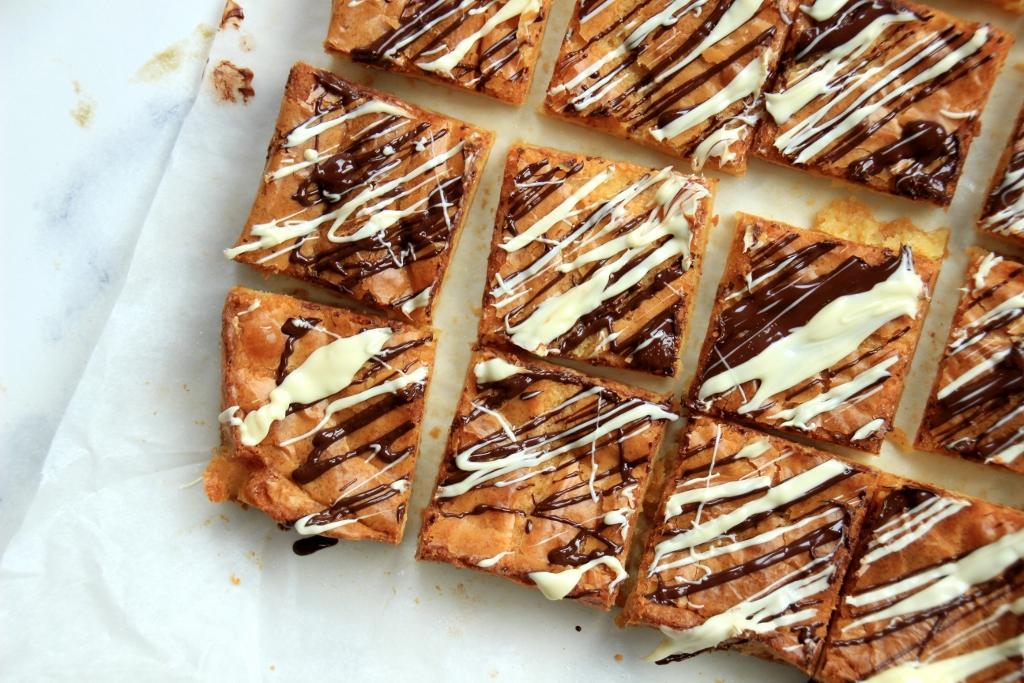 Witte chocolade brownies 3 1024x683 - Sanne's Baksels - Witte Chocolade Brownies