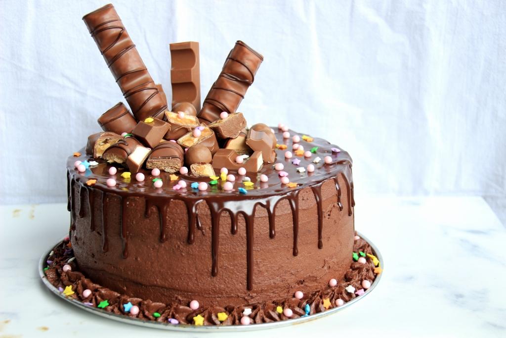 driedubble chocoladetaart4 1024x683 - Sanne's Baksels - Driedubbele Chocolade (mijn verjaardags)Taart!