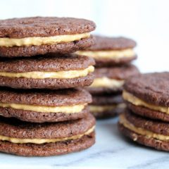 Sanne's Baksels - Chocolate & Peanut Sandwich Cookies