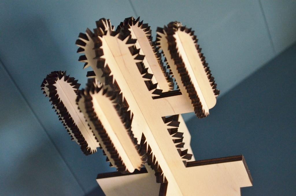 lasergesneden woondecoratie / Houten cactussen / gemaakt met een lasersnijder
