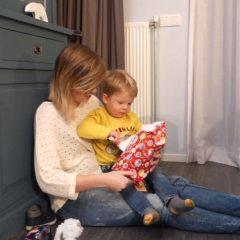 Sinterklaasschoentje zetten met Fos + Budget cadeautips van Action!