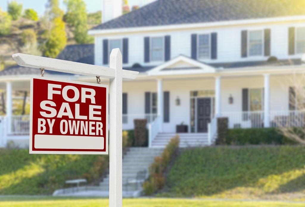 shutterstock 372196177 1024x695 - Een huis kopen, wat heb je allemaal nodig?