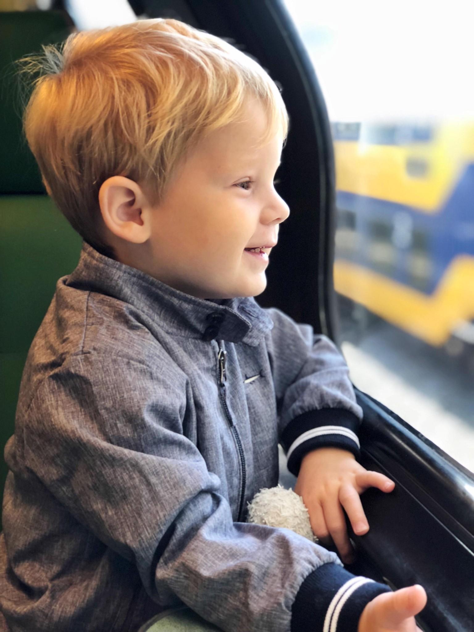 IMG 1556 3024x4032 - Vlog #59: Fos' allereerste treinritje & alleen met de kids